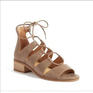 Lucky brand sandals with heel!